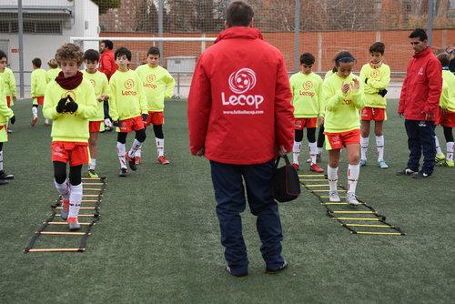 alumnos_lecop_realizando_trabajo_de_coordinacion